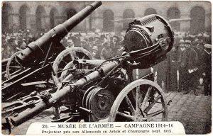 20. Musee de L'Armee - Campagne 1914-16. Projecteur pris aux Allemands en Artois et Champagne (sept. 1915)