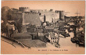 Old Postcard - Brest, France : Le Chateau et la Rade