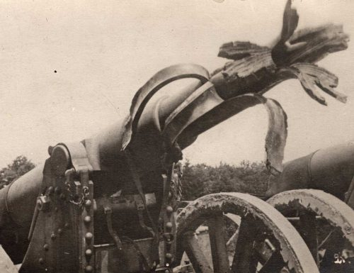 Cannon that is destroyed: Shaft is blown apart. World War One
